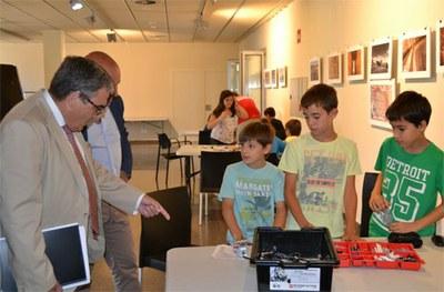 """Seixanta nens i vint nenes inscrits al campus tecnològic """"Robotitzem els jocs de sempre"""" del Parc Científic"""